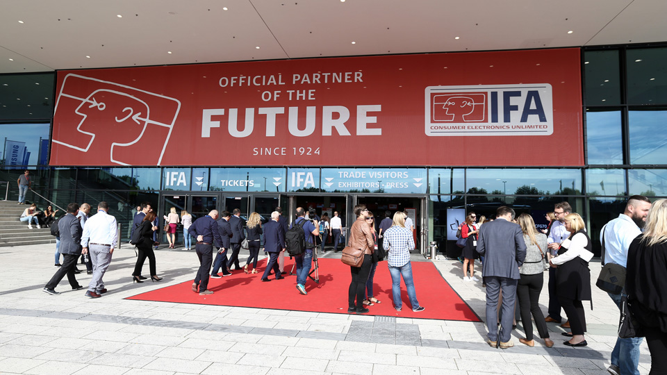 The red IFA Banner with visitors